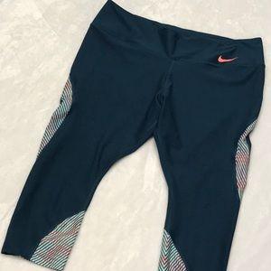 Nike Capri Dri-Fit Leggings. Sz. 1X